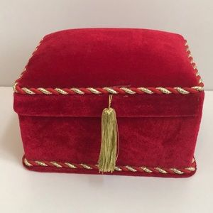 Lindy Bowman Red Velvet W Gold Trim Cushioned Box